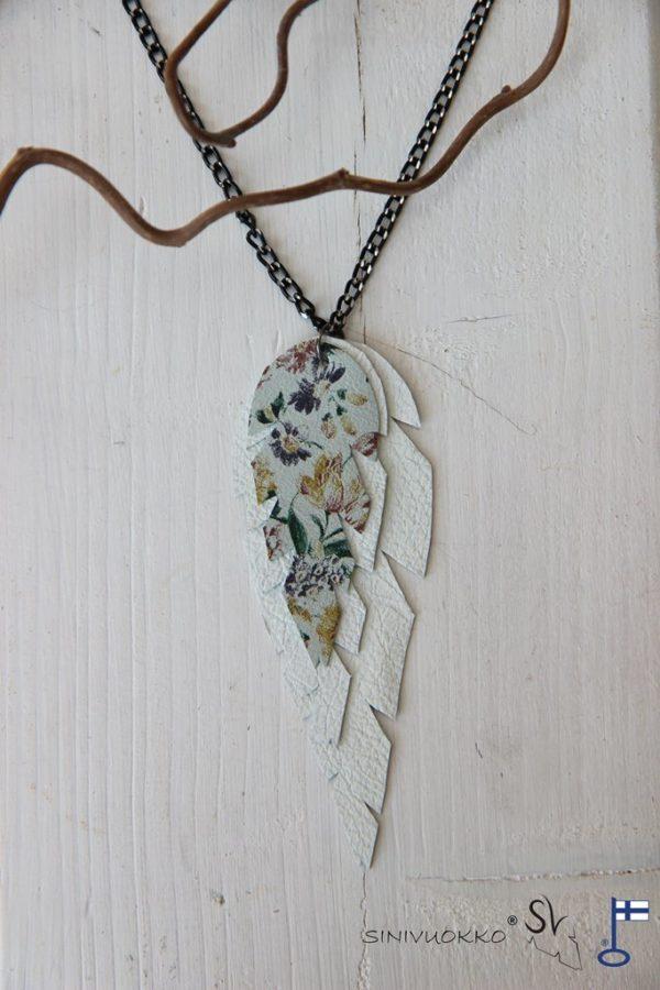 lehti-kaulakoru-ketjulla-white-valkoinen-kukka-flower