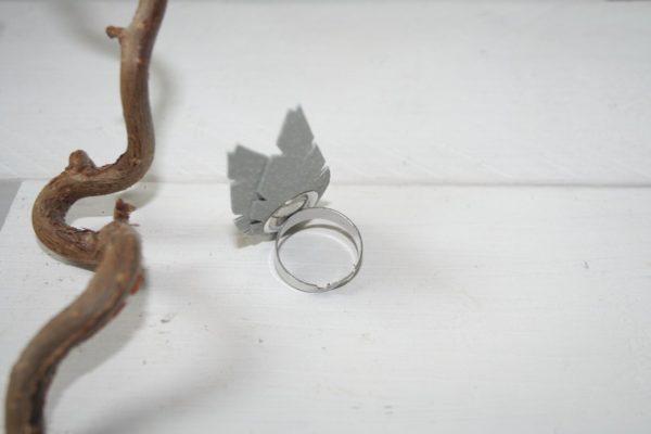 lehti-sormus-white-valkoinen-leaves-ring-handmade-finnishdesign-sinivuokko