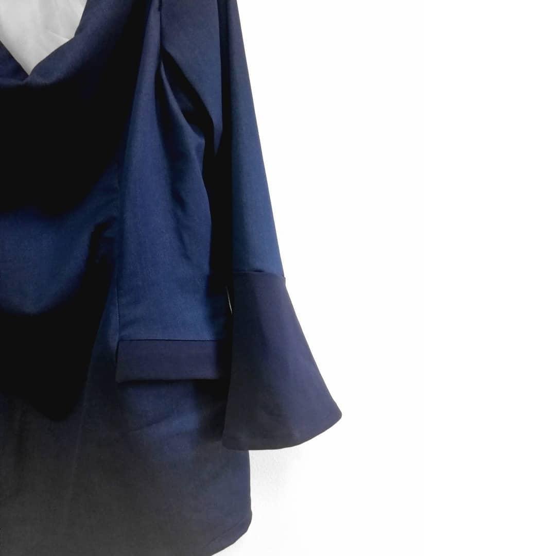 sinivuokko-sininen-puku